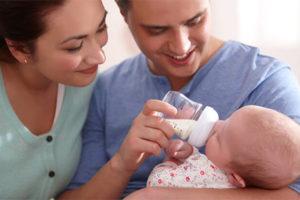 Как правильно кормить новорожденного?